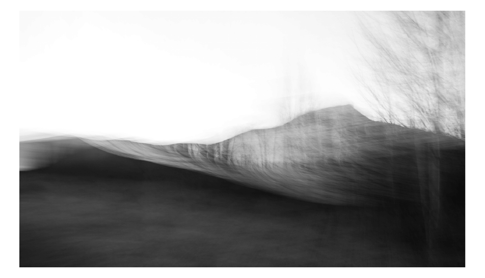 Abstract Mountain bl & wh_long